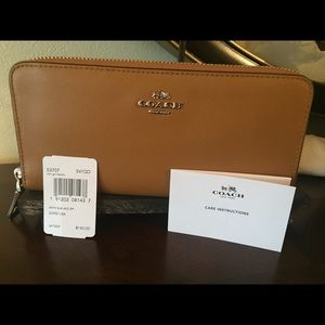 Coach authentic leather wallet lte Sadie 53707 NWT